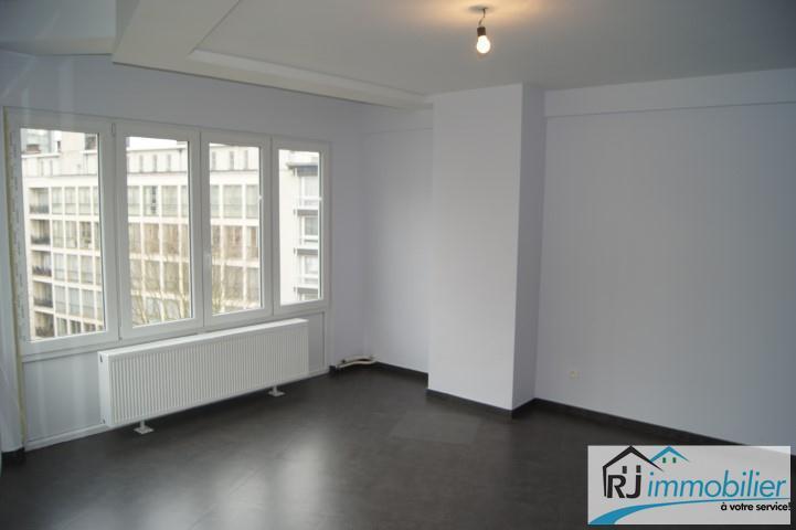 Appartement - Charleroi - #1499068-1