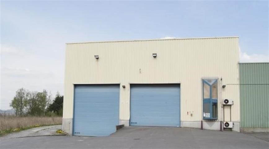 Bureaux & entrepôts - Montigny-le-Tilleul - #3224164-1